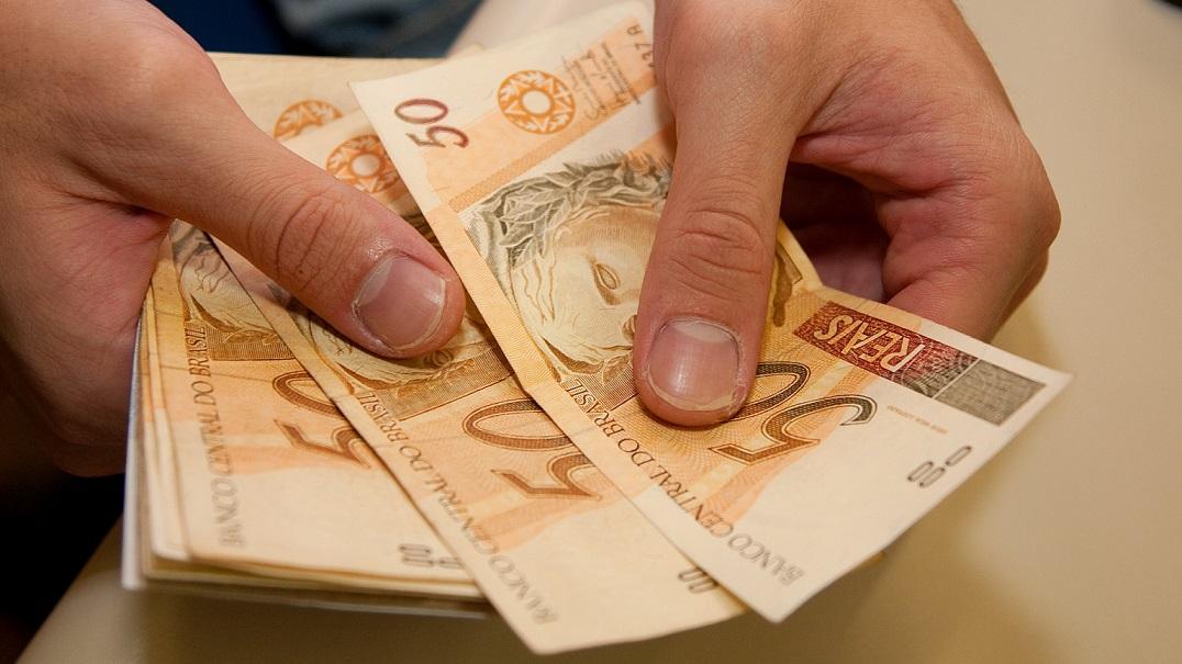 Pagamento em dinheiro vivo na entrega e-commerce - E-commerce e ...
