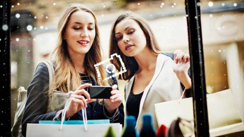 how to use e-commerce in a sentence